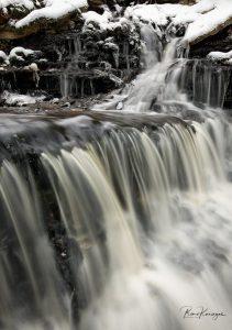 Vasaristi waterfall in winter
