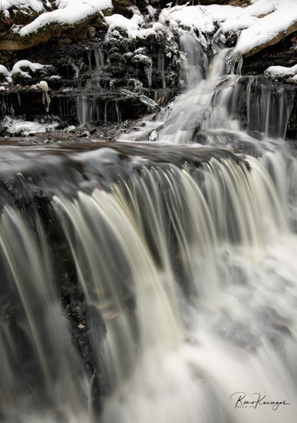 Vasaristi waterfall in winter