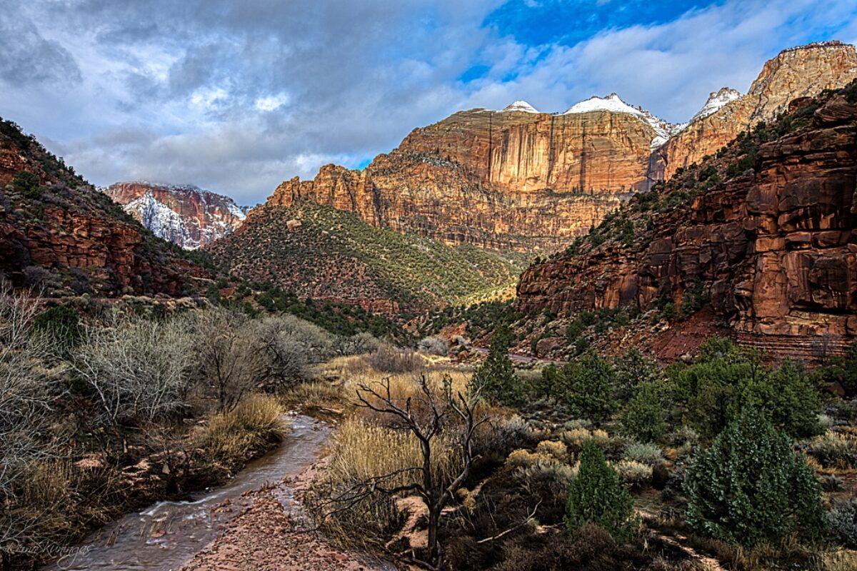 Pine Creek canyon at sunrise